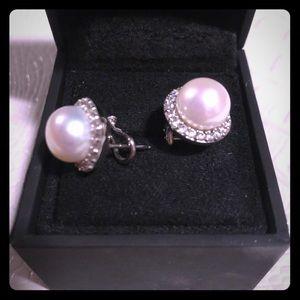 Halo Pearl Earrings